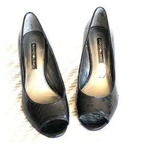 Bandolino Black Patent Peep Toe Heels 👠